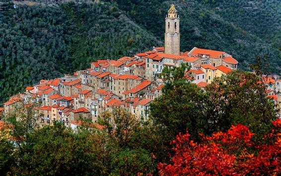 Fondos de pantalla Castel Vittorio, Italia, Liguria, montañas, casas, torre, vista superior
