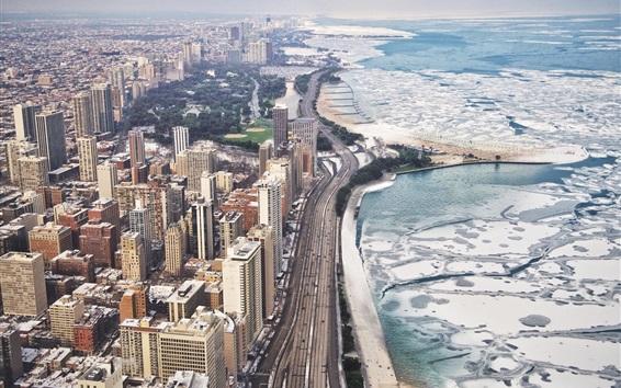 Hintergrundbilder Chicago Stadt im Winter, Wolkenkratzer, Schnee, Meer, Küste, Straßen