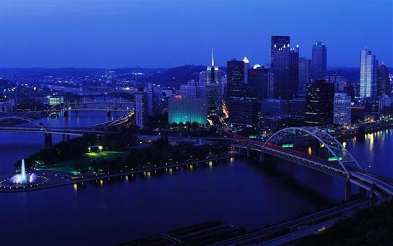 Fondos de pantalla Ciudad, noche, edificios, río, puentes, rascacielos, luces