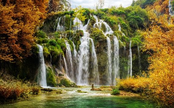 Fond d'écran Croatie, parc national de Plitvice, cascades, arbres, automne