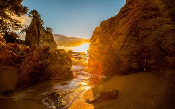 Обои Испания, Коста Брава, Каталония, море, рассвет, скалы, солнечные лучи, блики