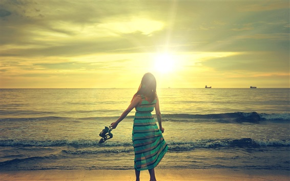 Wallpaper Happy girl walk in beach, sunshine, sea, waves