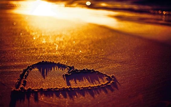 Fond d'écran Amour coeur, plage, sables, coucher de soleil
