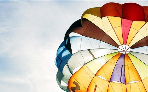 Fond d'écran Parachute, coloré, ciel