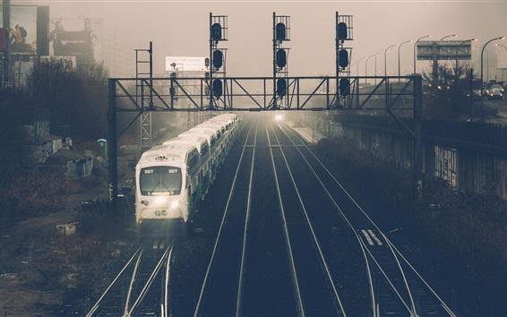 Fondos de pantalla Estación, tren, anochecer, ciudad
