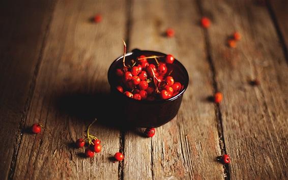 Fond d'écran Red rowan berries, bois