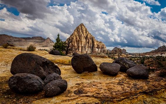 Papéis de Parede Pedras, montanhas de pirâmide, nuvens