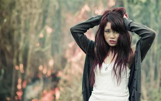 Wallpaper Unhappy Asian girl, bokeh