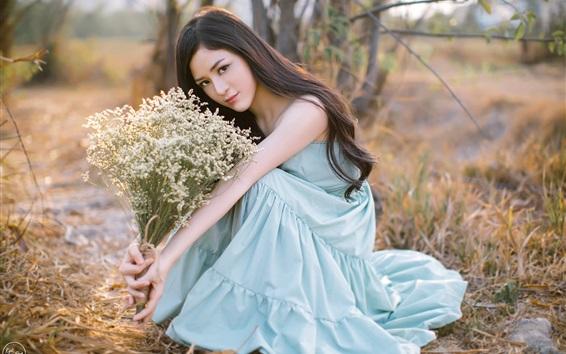 Papéis de Parede Menina asiática, saia azul, flores
