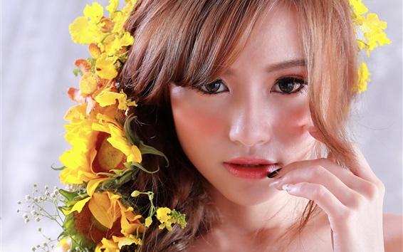 Papéis de Parede Menina asiática, rosto, flores amarelas