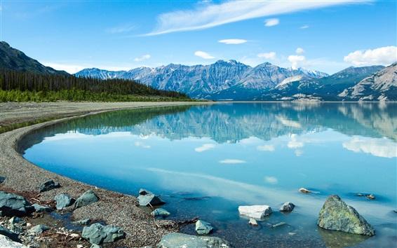 Fondos de pantalla Canadá, hermoso lago, agua clara, montañas, nubes, cielo azul