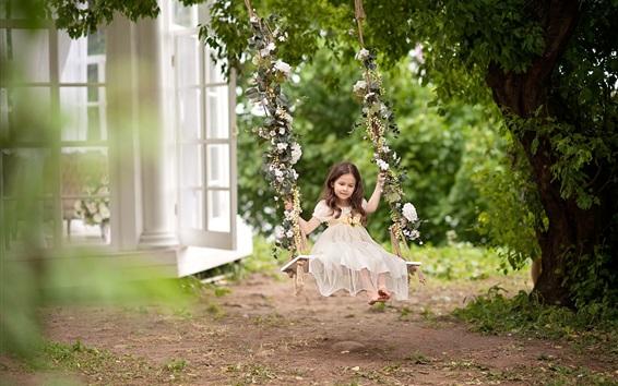 Обои Детство, милая девочка играет в качели