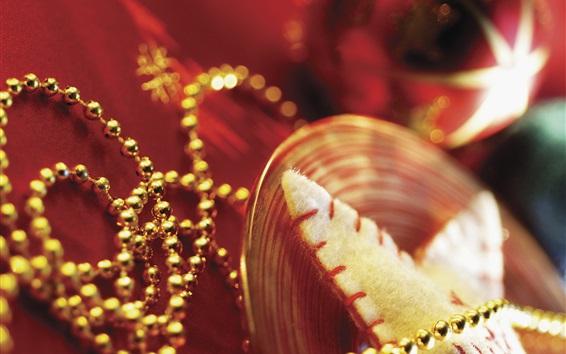 Обои Рождественские украшения, бусы, золотой стиль