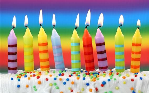 Fond d'écran Bougies colorées, flamme, crème, Gâteau d'anniversaire