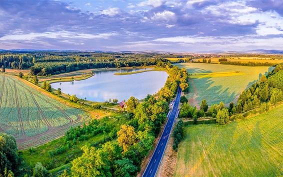 Fond d'écran République tchèque, route, verts, champs, lac, arbres, maisons
