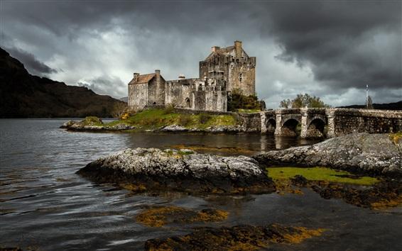 Wallpaper Eilean Donan castle, Scotland, river, stones, clouds