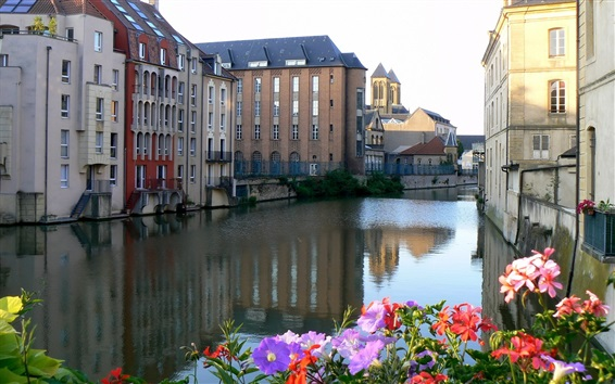 Fondos de pantalla Francia, ciudad, casas, río, flores