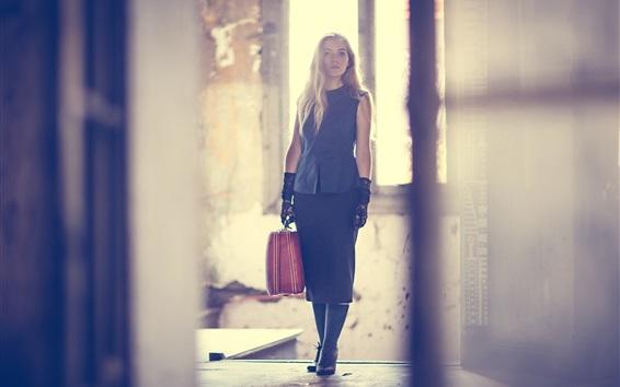 Wallpaper Girl, suitcase, room, light rays