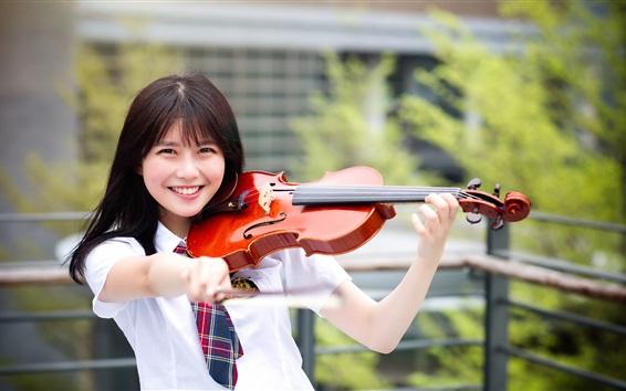Wallpaper Happy Asian girl play violin