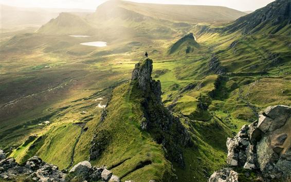 Обои Холмы, зелень, скалы, солнечный свет, природный ландшафт