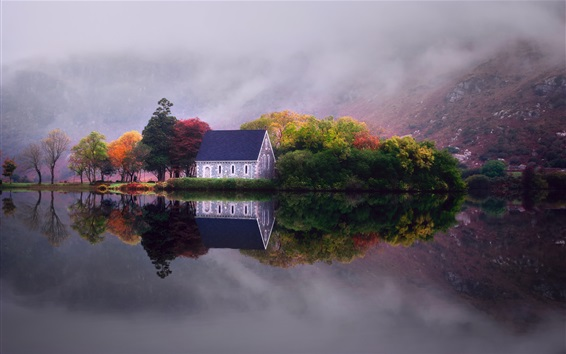 Fondos de pantalla Lago, agua, reflexión, casa, árboles, montañas, niebla, mañana, otoño