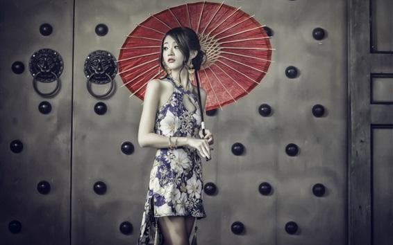 Обои Прекрасная китайская девушка, чеонгам, зонтик