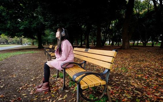 배경 화면 공원, 벤치, 아시아 여자 음악 듣기