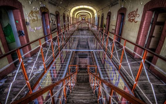 Wallpaper Prison, interior