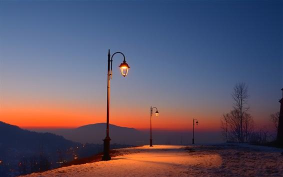Papéis de Parede Roménia, Fortaleza de Brasov, anoitecer, neve, luzes