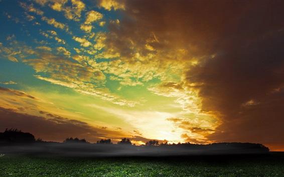 Fond d'écran Ciel, nuages, coucher de soleil, champs