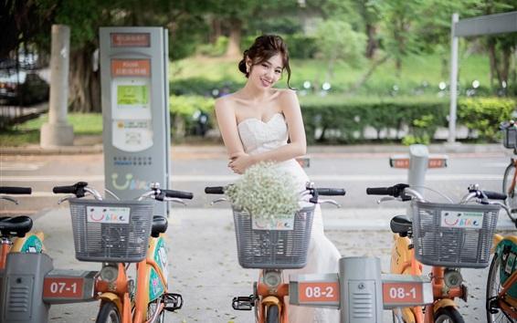 Wallpaper Smile Chinese girl, street, bikes