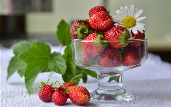 Wallpaper Strawberries, glass cup