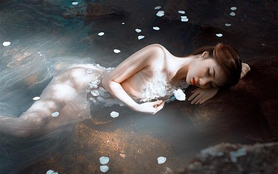 Wallpaper Asian girl rest in water, flower
