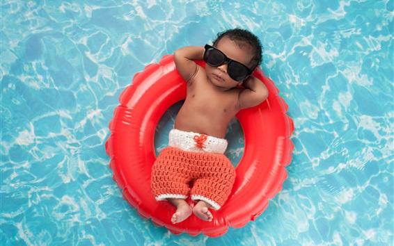Fond d'écran Enfant, bébé, eau, piscine, lunettes de soleil, pose