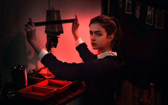 Wallpaper Girl watching photographic film