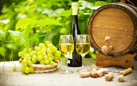 Обои Зеленый виноград, вино, бутылка