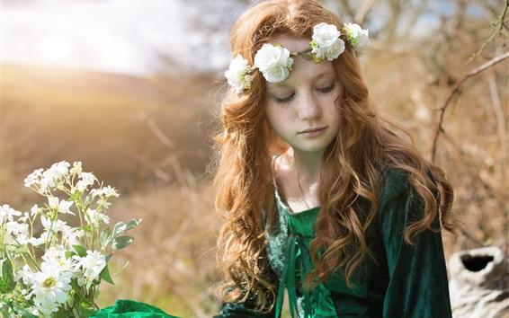 배경 화면 녹색 치마 소녀, 주근깨, 꽃, 화환