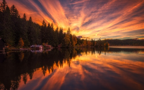Fondos de pantalla Casa, árboles, lago, agua, reflexión, nubes, puesta de sol
