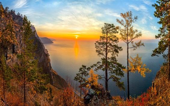 Fond d'écran Russie, le lac Baïkal, la Sibérie, les arbres, le coucher du soleil, les montagnes