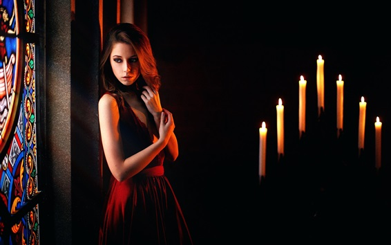 Обои Печаль девушка, свечи, пламя