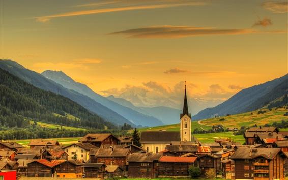 Fondos de pantalla Suiza, valle, pueblo, bosque, nubes, montañas