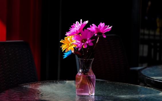 Fond d'écran Vase, fleurs roses et jaunes