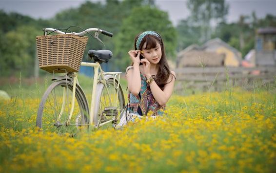 壁纸 年轻女子,自行车,鲜花,亚洲人