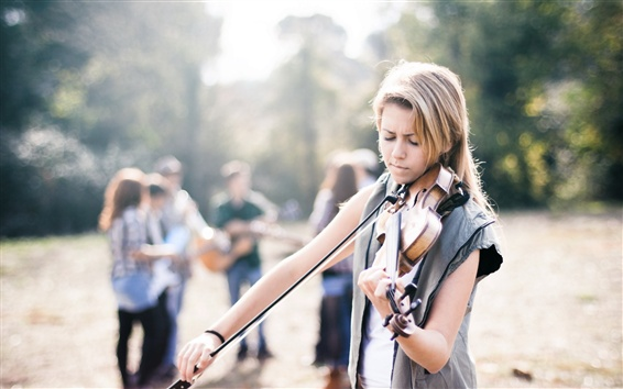 Wallpaper Blonde girl play violin, street