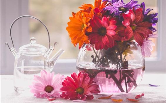 Wallpaper Glass vase, flowers