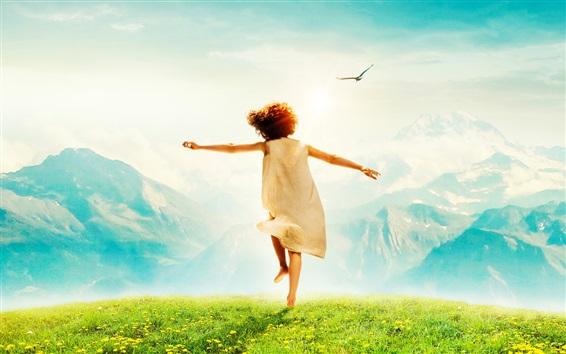 Fond d'écran Enfant heureux, vue de dos, herbe, montagnes, oiseaux, éblouissement