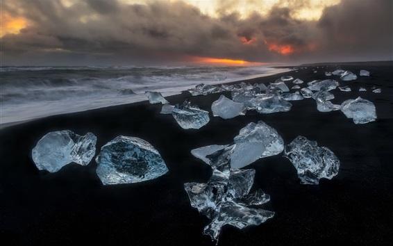 Fondos de pantalla Cristal de hielo, playa, mar, nubes, noche