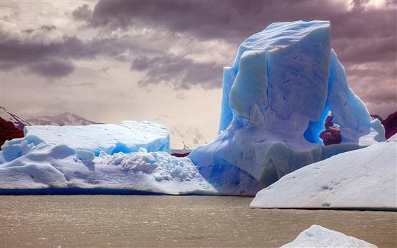 Обои Айсберг, море, сумерки