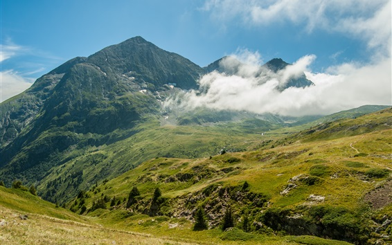 Обои Горы, трава, облака, небо