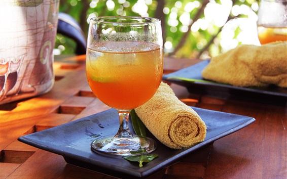 Fond d'écran Une tasse de boissons aux fruits